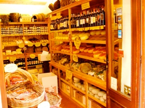 Shopping on our foodie tour of Tuscany